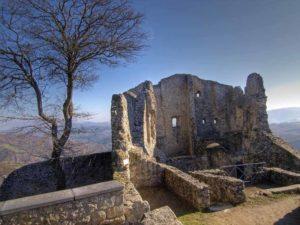 I sentieri e i castelli di Matilde di Canossa – scopriamo la via di Matilde e del volto santo